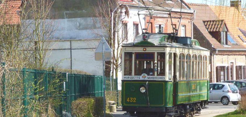 Visite berges de la Deûle en tramway Lille Amitram
